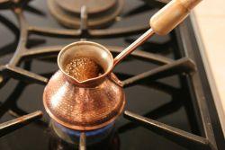 Як зварити каву вдома в турці?