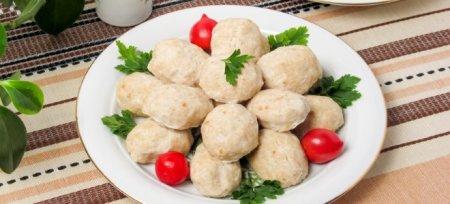 Свинина в мультиварці тушкована або запечена - рецепти реберець з підливою і картоплею, рульки і рагу з овочами